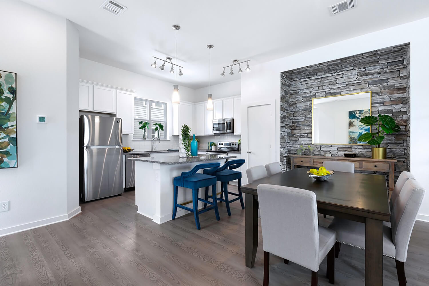 Trailside Oaks Townhomes Dining and Kitchen Photo