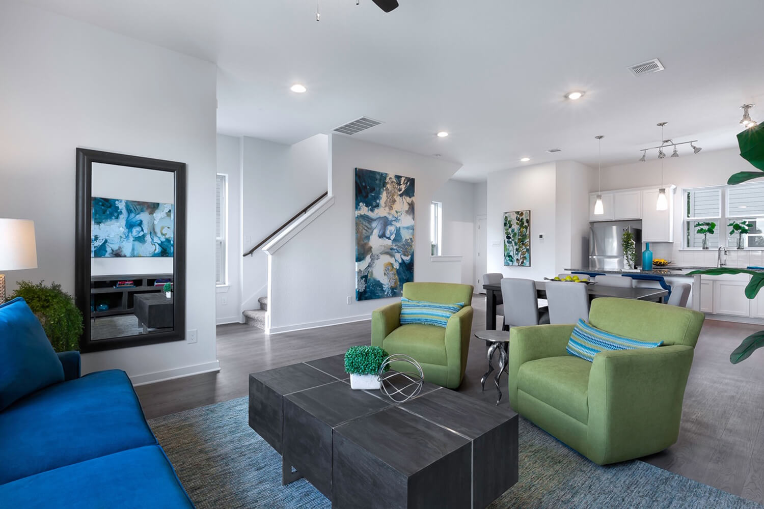 Trailside Oaks Townhomes Living Room Photo