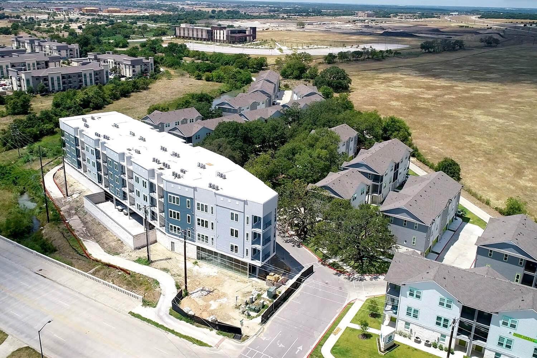 Trailside Oaks Apartments