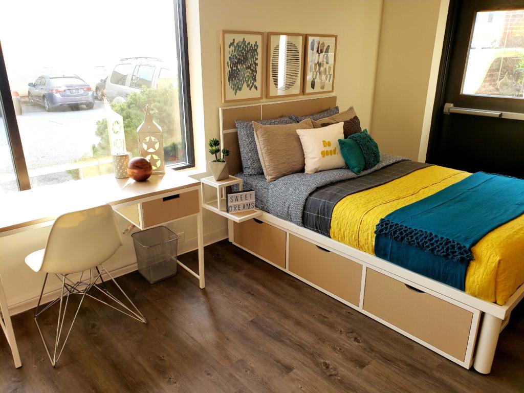 The Cumberland Bedroom Photo